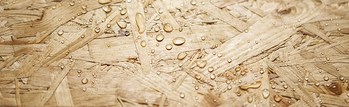 Durable OSB boards made from natural wood and sustainably produced for wood and shell construction