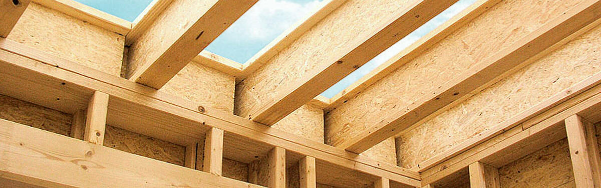SWISS KRONO supplies sustainable building materials such as MDF boards, OSB boards and raw chipboard panels for wood construction